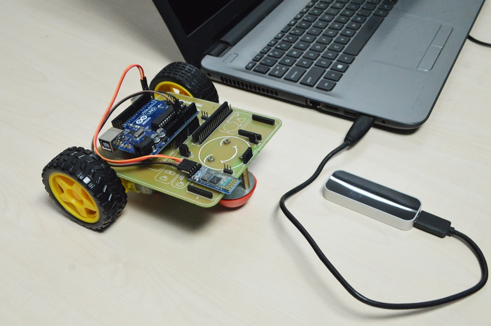 Leap Motion Controlled Arduino Robot